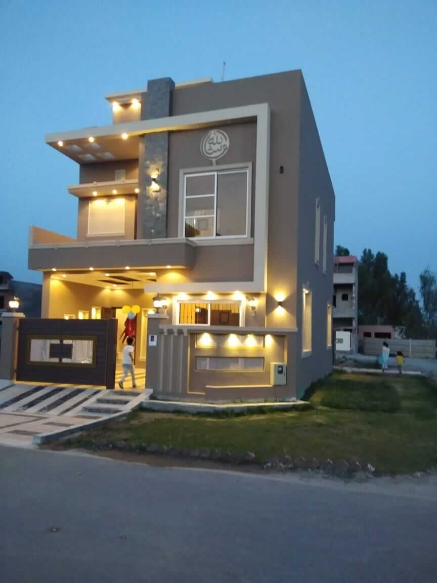 5 marla corner house for sale in Grand Avenues Housing Scheme Lahore